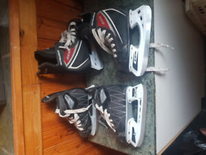 2 sets patins de hockey marque ccm