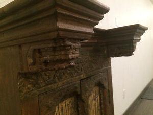 Cabinet antique - dimensions max : 26X21X44