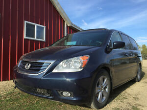 Near MINT Condition: 2009 Honda Odyssey Touring
