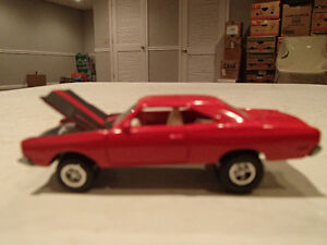 Loose Red 1969 '69 PLYMOUTH ROAD RUNNER by JOHNNY LIGHTNING 1/ Sarnia Sarnia Area image 2