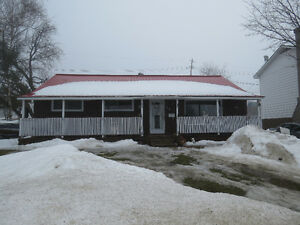 Affordable living in Elliot Lake. Great bungalow with garage !!!