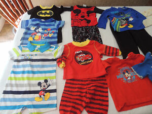 Clothes - Newborn to 12 months - 13 pieces/outfits