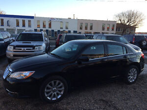 2012 CHRYSLER 200 TOURING EDITION 83,000 KMS, ONE YEAR WARRANTY