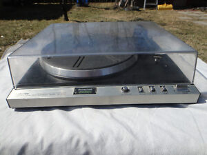 TOSHIBA  TURNTABLE MADE IN JAPAN  100% TESTED