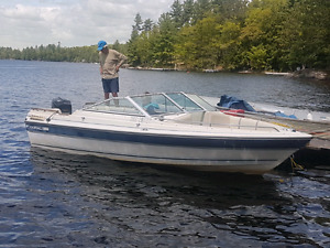 Doral 18ft Bowrider with Mercury 80hp and Trailer