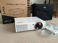 3D Projector nearly new.