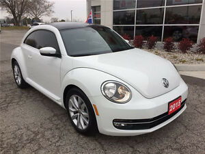 ***'15 Beetle w/Navigation and Moonroof Only 12686kms!***
