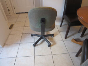 Made in Canada Computer/Office Chair Kitchener / Waterloo Kitchener Area image 2
