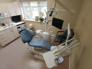Refurbished Adec Dental Chair Light Delivery Equipment