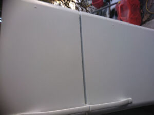LARGE KENMORE FRIDGE...... EXCEL COND!!!!