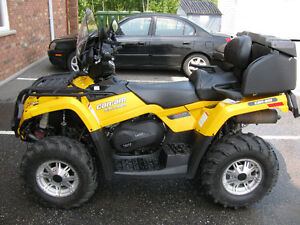 VTT CAN-AM OUTLANDER MAXX-XT 400 2014