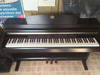 Yamaha Clavinova CLP-230 for Sale in Excellent Condition