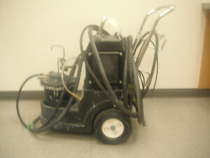Graco H.V.L.P. 4900 fine finish Sprayer