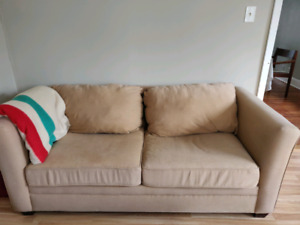 pickup today! Couch and Coffee Table