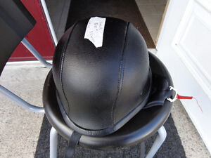 Black leather clad helmet in xx-large    recycledgear.ca Kawartha Lakes Peterborough Area image 2