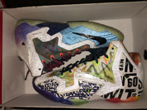 WHAT THE LEBRON 11 - SIZE 9