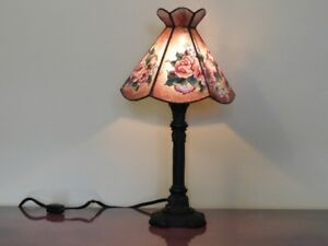 Stained Glass Table Lamp (Rose Pattern)