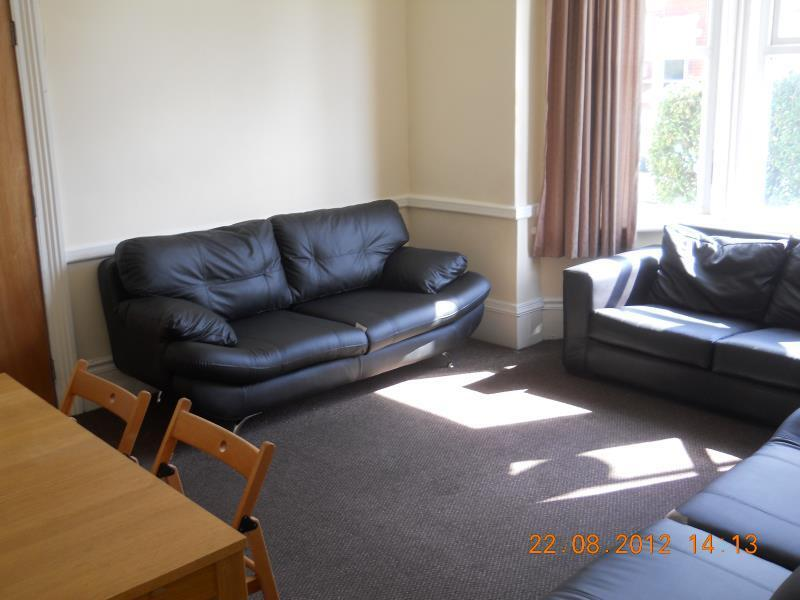 9 bedroom house in TOSSON TERRACE HEATON (TOSSO9R)