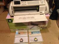 Cricut expression vinyl/card/paper cutter