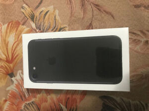 BRAND NEW Iphone 7 32gb WITH BOX BRAND NEW CHARGER AND HEADPHONE