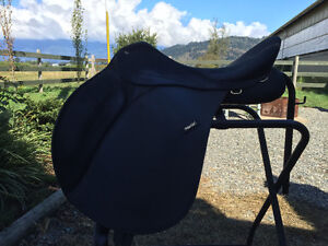 Wintec 2000 English Saddle with all gullet sizes