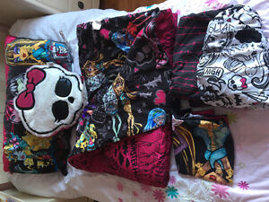 Monster High Bedding with accessories