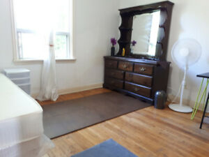 Room for rent Warden Ave and Ellesmere/ Lawrence Scarborough
