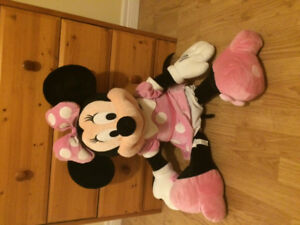 Giant Minnie Mouse