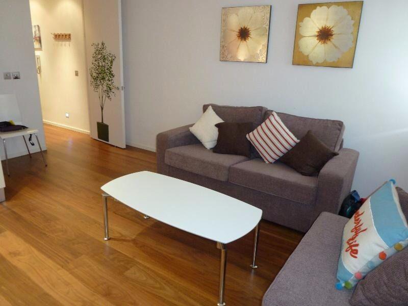 One Double Bedroom Flat - Shoreditch, Bevenden Street, N1 - £395.00 per week