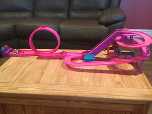 Polly Pocket - Race to the Mall