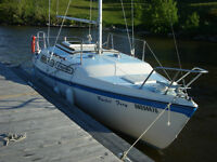 1980 MacGregor M25 Sailboat