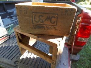 Boîte en bois avec lettrage
