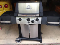 Deluxe Broil King Signet BBQ with Propane Tank