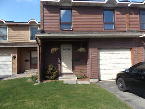 Bells Corners Large 4 Bedroom Townhouse for rent