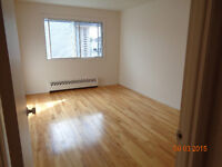 Great 3 1/2 located in NDG/CSL
