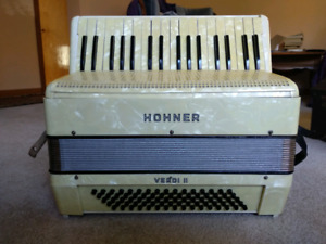 Hohner Verdi II vintage accordion