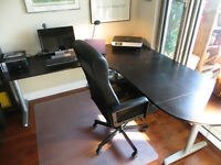 IKEA Corner table/workstation - Table de travail/bureau de coin