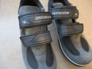 SPECIALIZED ROAD BIKE SHOES EXCELLENT SHAPE