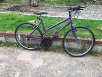 Ladies Mountain bike with lock 35£