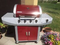 BBQ WITH TANK COVER AND SIDE BURNER