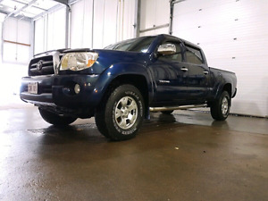 2008 Tacoma 4x4 - crew cab- only 15500 $