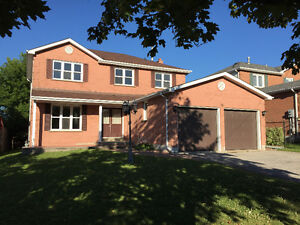 GORGEOUS SOUTH BARRIE 3 BDRM 3 BATH HOME