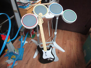 Rock Band et guitare avec micro inclus