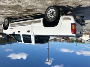 2005 GMC Sierra 2500 Slt Pickup Truck