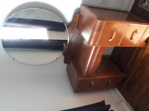 1930s Art Deco Dresser Set