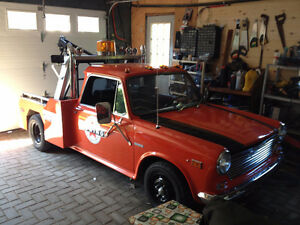 1971 Austin America tow truck