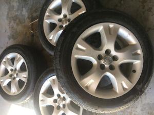 pneus d'été 205/55/r16 sur Mags TOYOTA