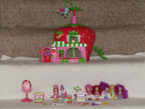 FOR SALE 2 STRAWBERRY SHORTCAKE HOUSES W/DOLLS AND FURNITURE