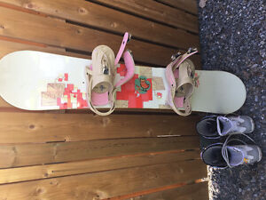Good Condition BURTON Snowboard With Boots
