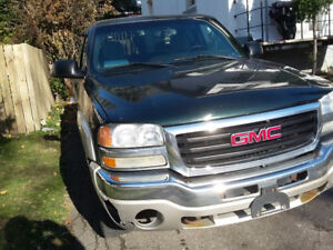 2004 GMC Sierra 1500 Xlt Pickup Truck